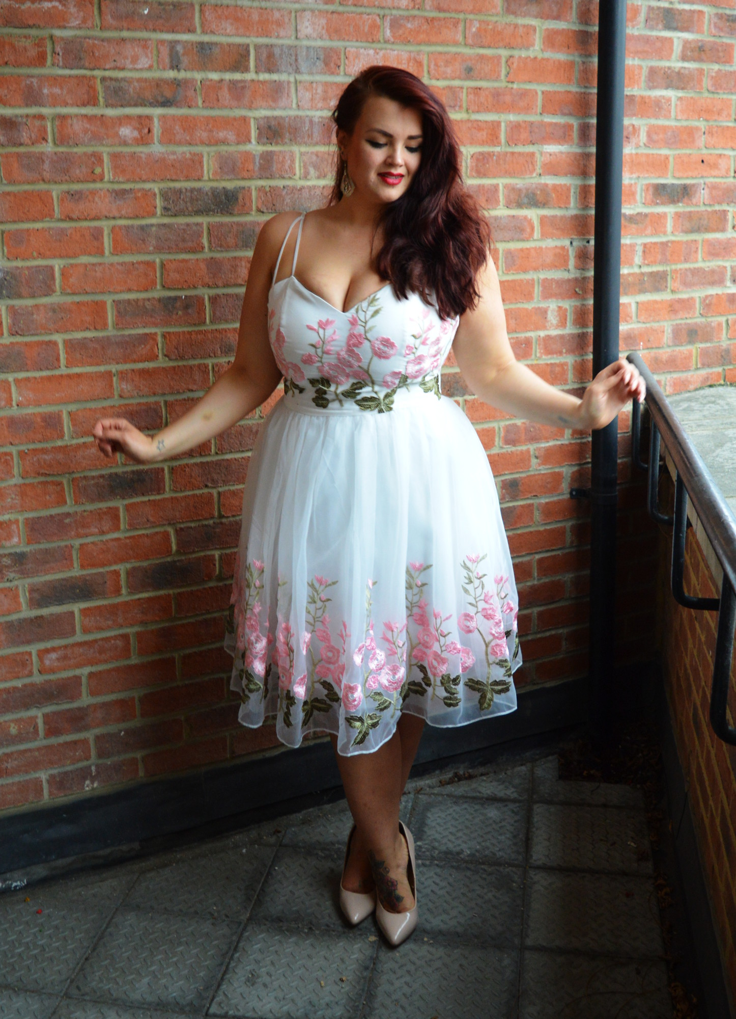 Alternative Wedding Dress S London : Fuller figure bust a wedding dress alternative
